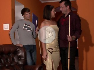FLASH !!! Casual street encounter ends with the cuckold watching his hot wife banged
